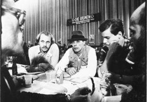 Joseph Beuys (Mitte), links neben ihm Rainer Rappmann, im März 1980